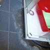 Alicatar suelo tras arreglo de plato de ducha