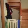 Instalar puerta de madera en hueco de escalera