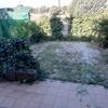 Colocar suelo en jardín