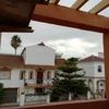 Reforma cerramiento terraza con entrada a dormitorio y ventana de baño