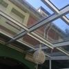 Limpiar tejado de cristal en galeria