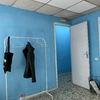 Pintura interior de oficina y puerta principal