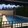 Enyesar zócalo de piscina de 4 dedos de altura