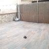 Montar celosía de madera en terraza