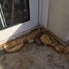 Saneamiento y impermeabilizacion marco puerta ventana exterior