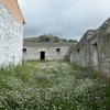 Cubierta metálica de chapa para cubrir pabellones de muros de piedra