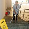Limpieza comunidad 3 días semana a razón de hora y media día (carabanchel alto)