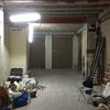 Instalación de microcemento en suelos de la tienda en barcelona