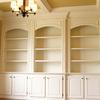 2 armarios empotrados el primero para un pasillo tiene un oficina et 2 armario una de cada lado de la oficina y el otro para el salon