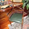 Tapizar dos sillas de despacho en color verde y en textura de piel