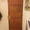 Instalar puerta de madera exterior de seguridad