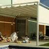 Instalación de toldo para cubrir techo y frontal en terraza de vivienda