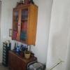 hey armario de salón comedor en el hueco e columnas contra una pared