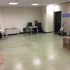 Pasta autonivelante e instalación de tarima en oficina