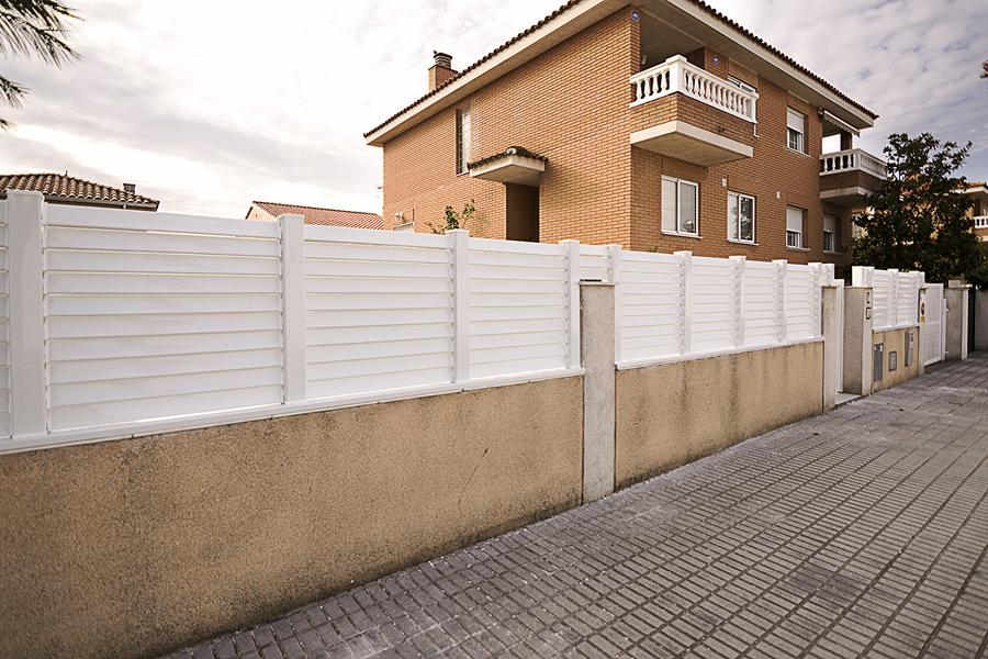 Vallas de aluminio de lamas venecianas en madrid ideas for Vallas de aluminio para jardin